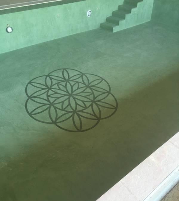 Réalisation d'une piscine intérieur en béton ciré.
